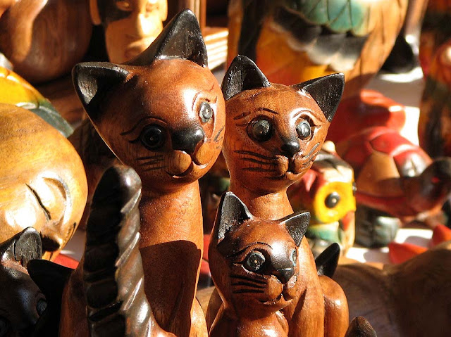 Wooden cats, market, Sant'Antonino Fair, Livorno