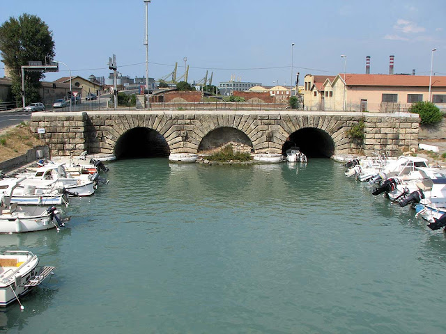 Dogana d'acqua, Water Customs, Livorno