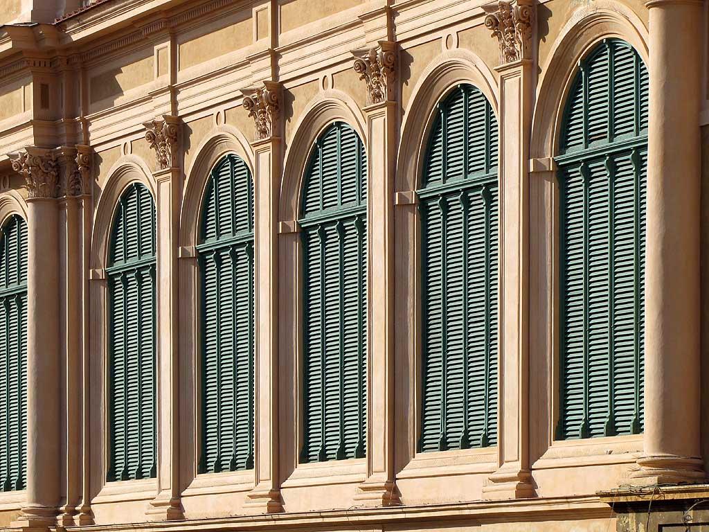 Livorno una foto al giorno serie di finestre - Foto di finestre ...