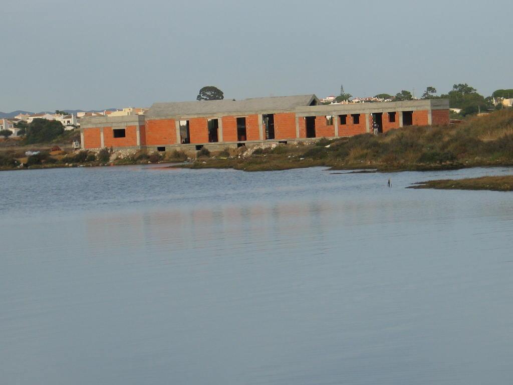 Resultado de imagem para Construções em Dominio Público Marítimo Fuseta Olhaõ Livre