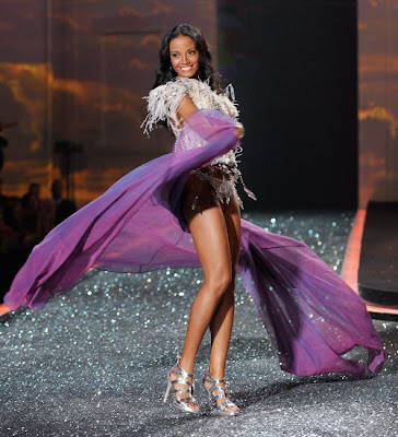 Victoria's Secret fashion show 2009 sexy photo