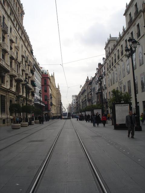 tranvía-por-el-centro-de-la-ciudad
