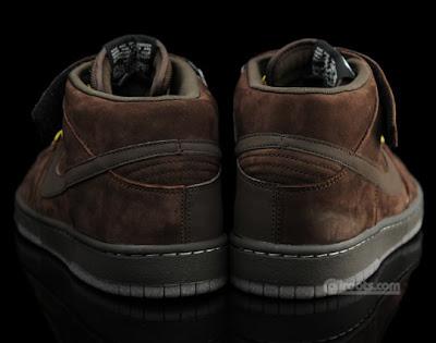 88503a8f27f5 Nike SB Sole  Nike SB November 2009 Dunk Mid Premium