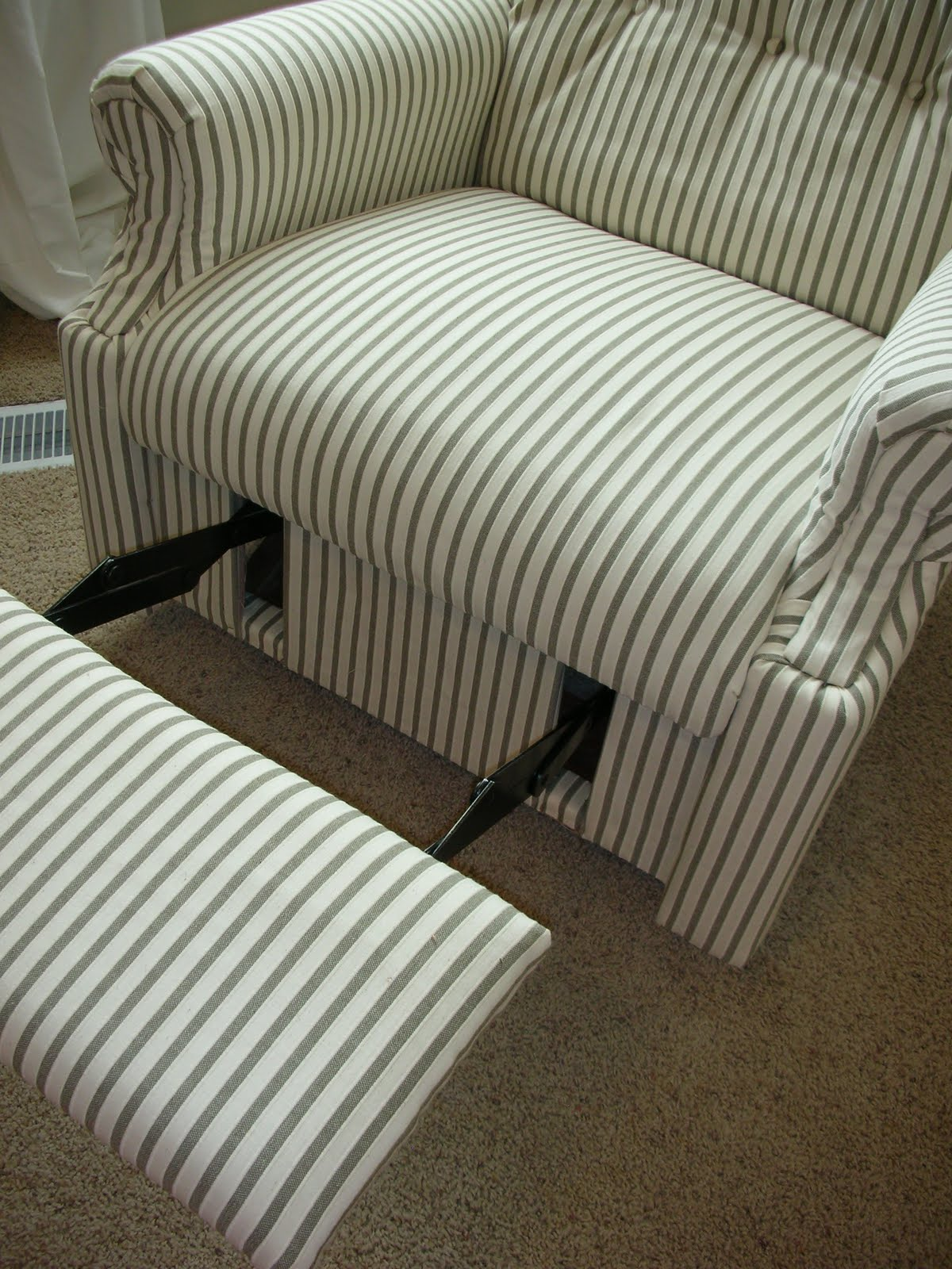 how to reupholster a sofa no sew dolphin solid wood double bed do it yourself divas diy an old la z boy