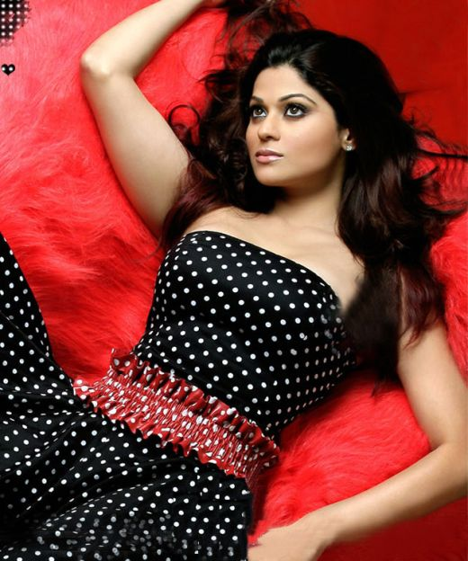 Actress So Hot Wallpapers: Shamita Shetty Hot Hot