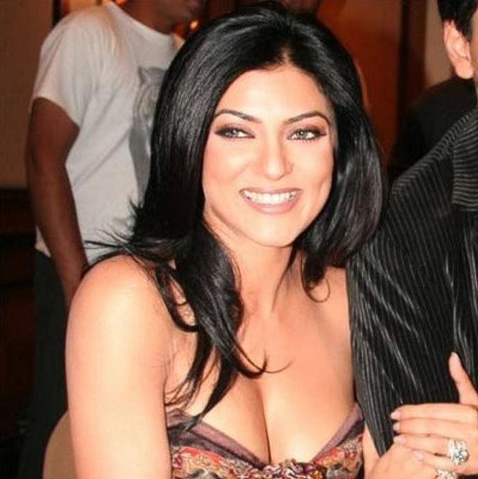 Is Sushmita Sen dating modeling hottie Rohman Shawl