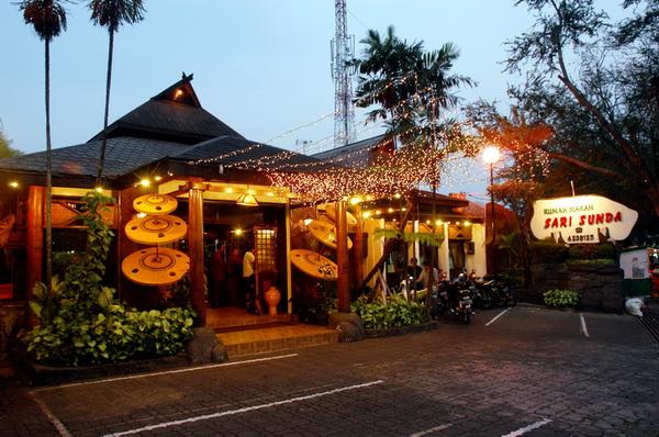 Welcome to Rumah Makan Sari Sunda Tentang