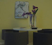 Jo Searle painting, minimodernista barrel chairs.