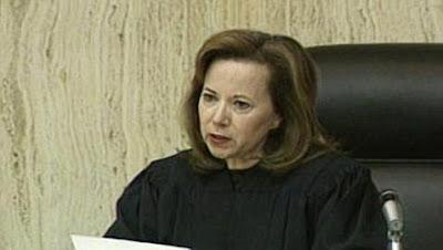 http://4.bp.blogspot.com/_BjW1avGcuos/TFGiMLtcKqI/AAAAAAAAClI/CtbfAuohNHs/s1600/Judge+Susan+Bolton.jpg