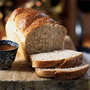 Roti Gandum - 10 Makanan Yang Dapat Membuat Tidur Lebih Lelap - www.simbya.blogspot.com