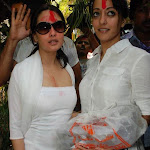 Ria & Raima Sen play Holi at Azmi House