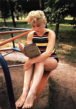 Marilyn Monroe Avid Reader Writer Book Collector
