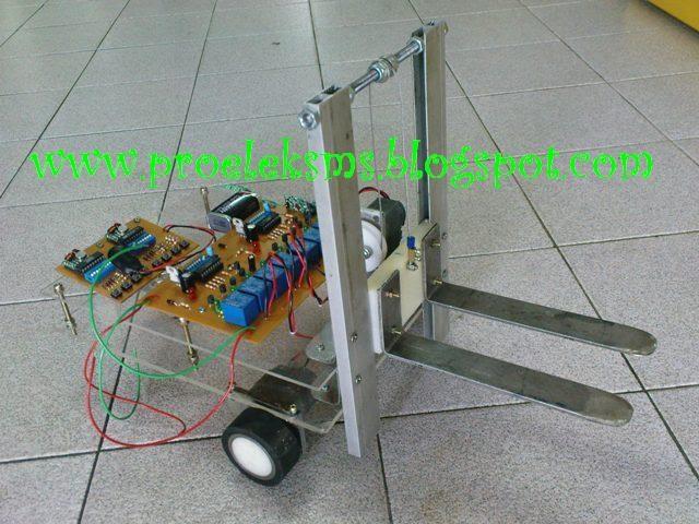 Projek Elektronik Robot Forklift