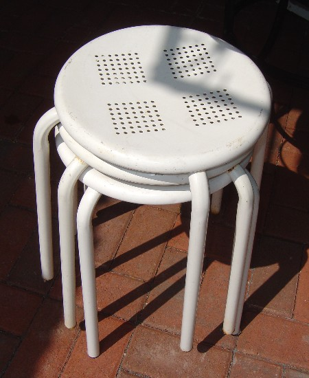 retro chair step stool dining round table and chairs plaid paint a metal | sallygoodin