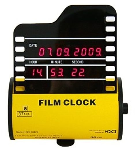 Film Roll Clock Is a Reminder of the Good Old Times