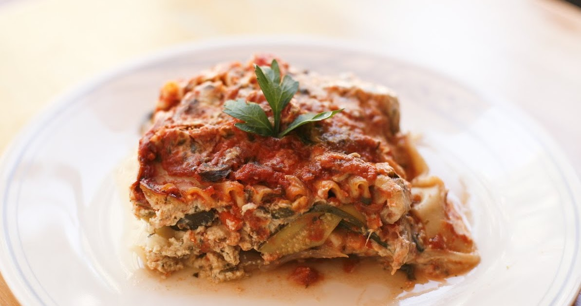 Go Vegan Meow Spinach Lasagna With Herbed Tomato Sauce