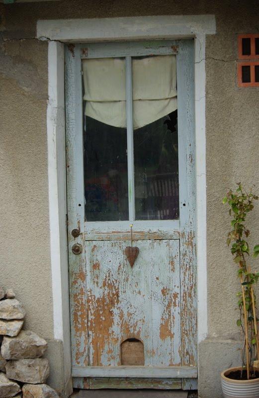 mon blog moi pourquoi r nover une vieille porte toute pourrie. Black Bedroom Furniture Sets. Home Design Ideas