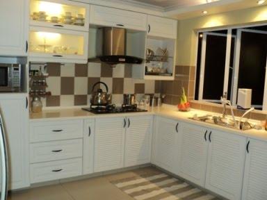 Warna Putih Atau Pastel Adalah Jawapan Untuk Menjadikan Ruang Dapur Yang Kecil Tampak Lebih Luas