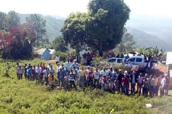 Resultado de imagen para fotos de la cordillera central deforestada
