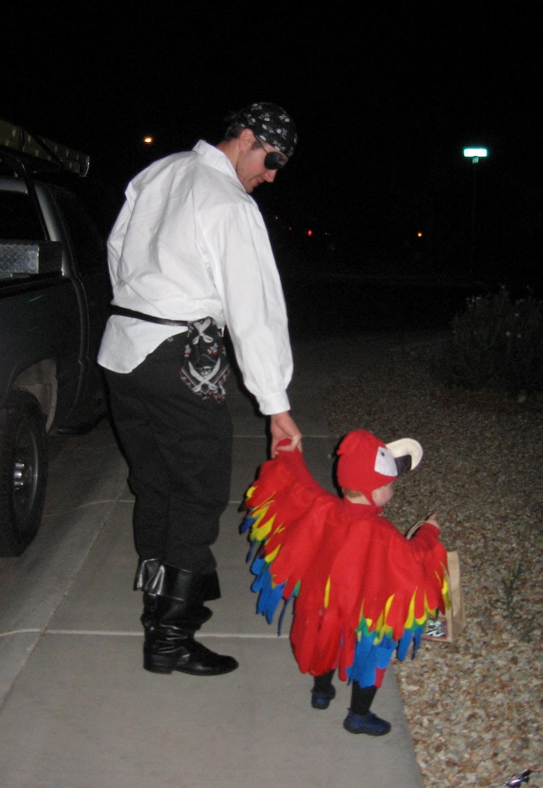 sc 1 st  Mom Endeavors & Homemade Parrot Costume