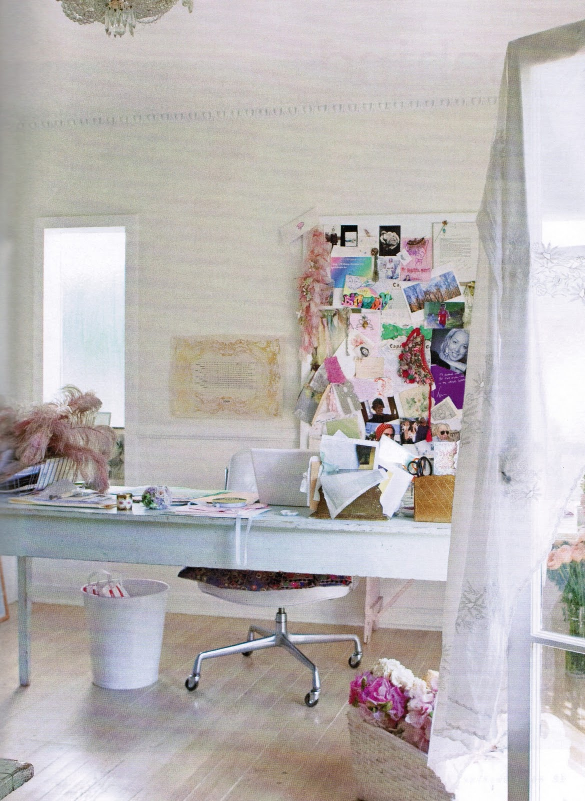 outstanding shabby chic office | Maison Decor: The Perfect French Wall Color