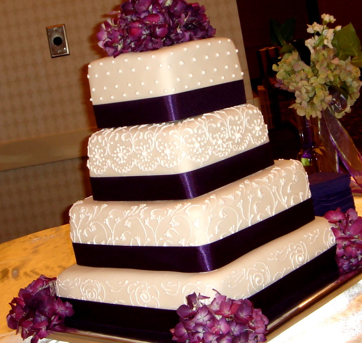 Purple Wedding Cake Ideas: Custom Unique Artistic Fondant Birthday And Wedding Cake