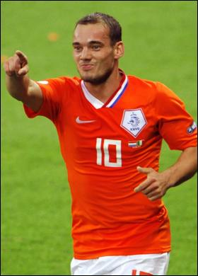 who does wesley sneijder play for