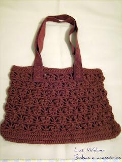 dcbffdcf5 Luz Weber: Bolsa de crochê marrom com alça de couro