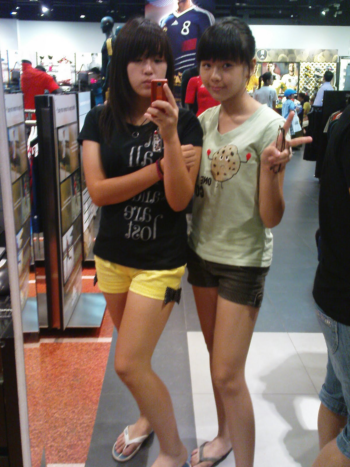 GOH EUNICE: Midvalley with family