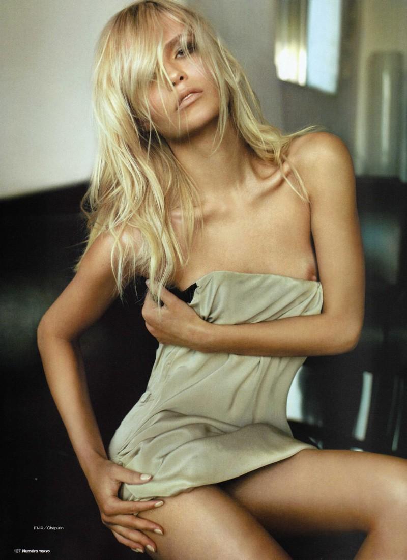 Woodstock topless girls - 4 1