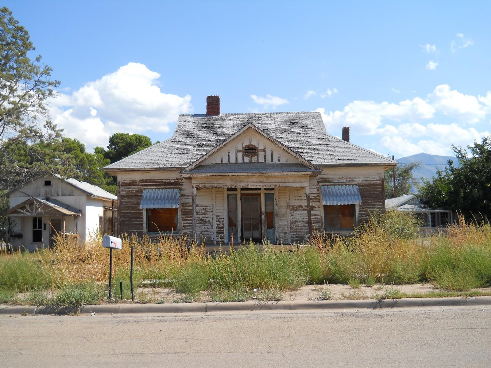 Backyard New Mexico: Some Homes of Alamogordo