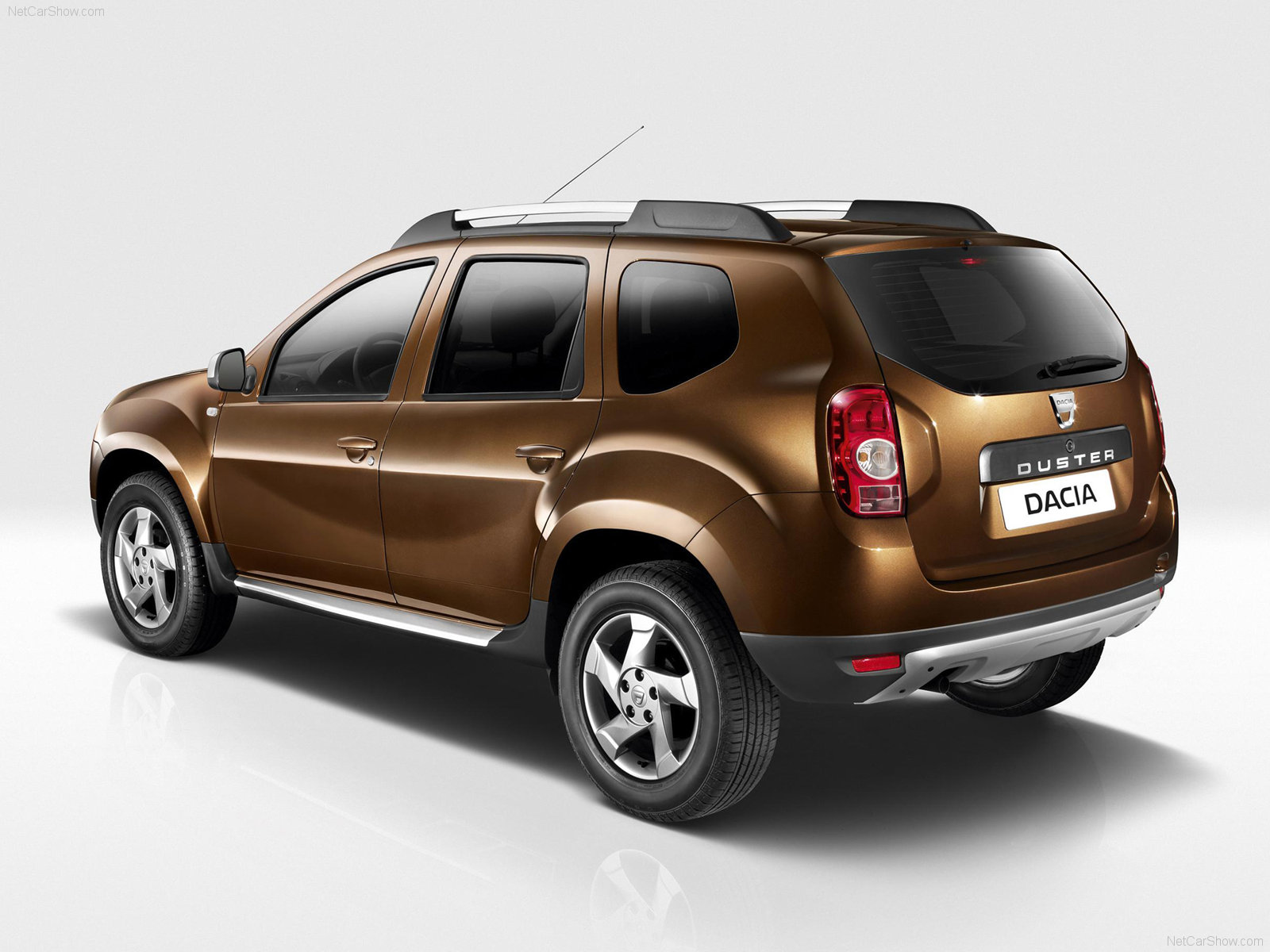 bhanyak 39 s blog dacia duster photogallery and stills. Black Bedroom Furniture Sets. Home Design Ideas