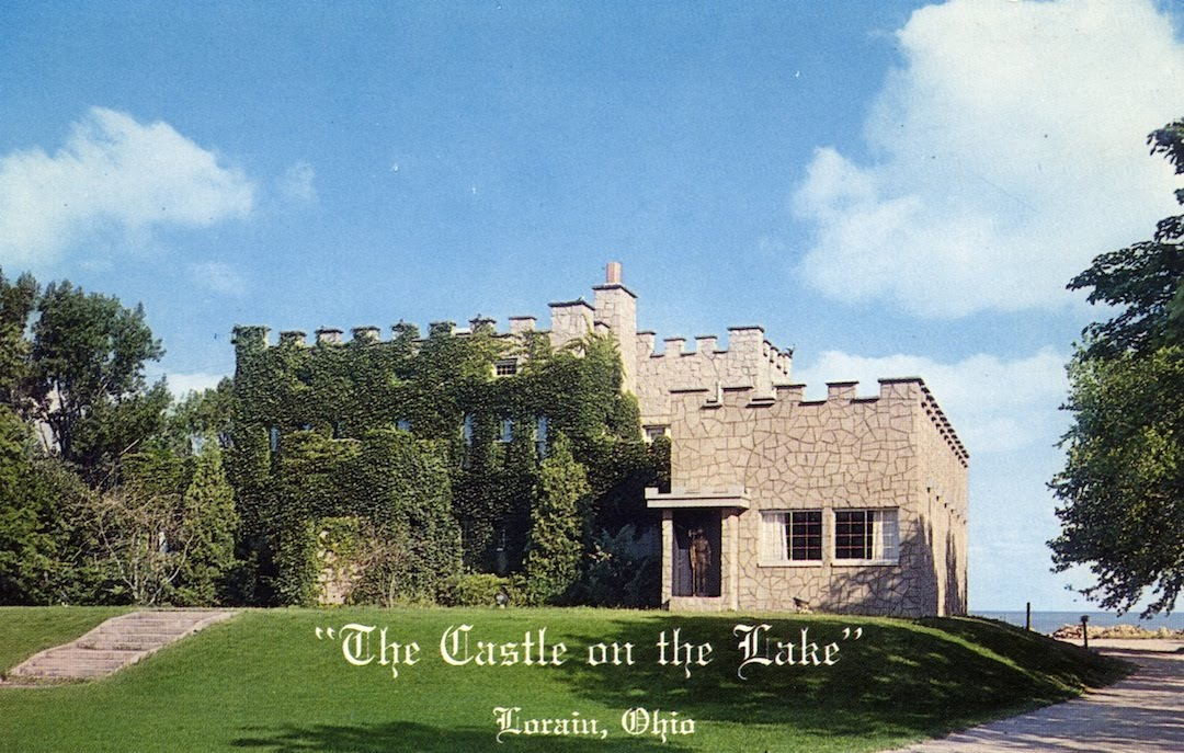 Here S A Vintage Postcard Of The Castle On Lake Followed By How It Looks Today As El Arriero Mexican Restaurant