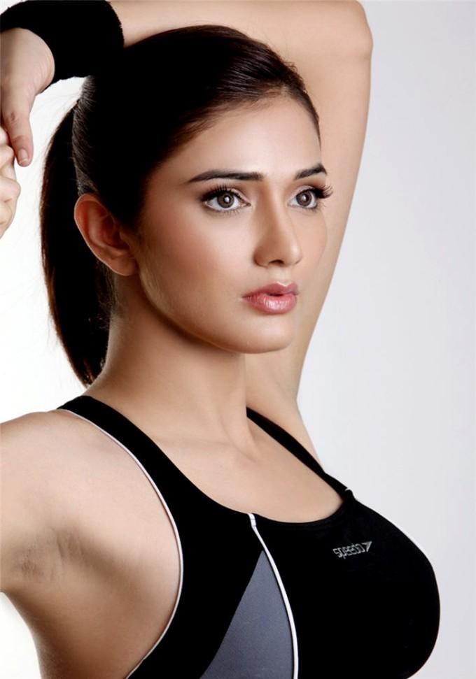 beautiful actress debutant navina