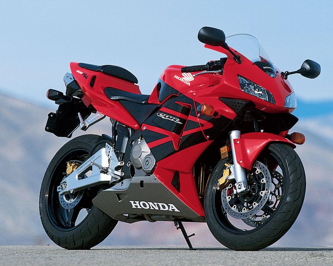 Motorcycle Reviews Amazing Honda Cbr 600 Rr
