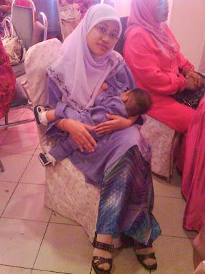 {focus_keyword} My Bling Moment : Breastfeeding DSC01674