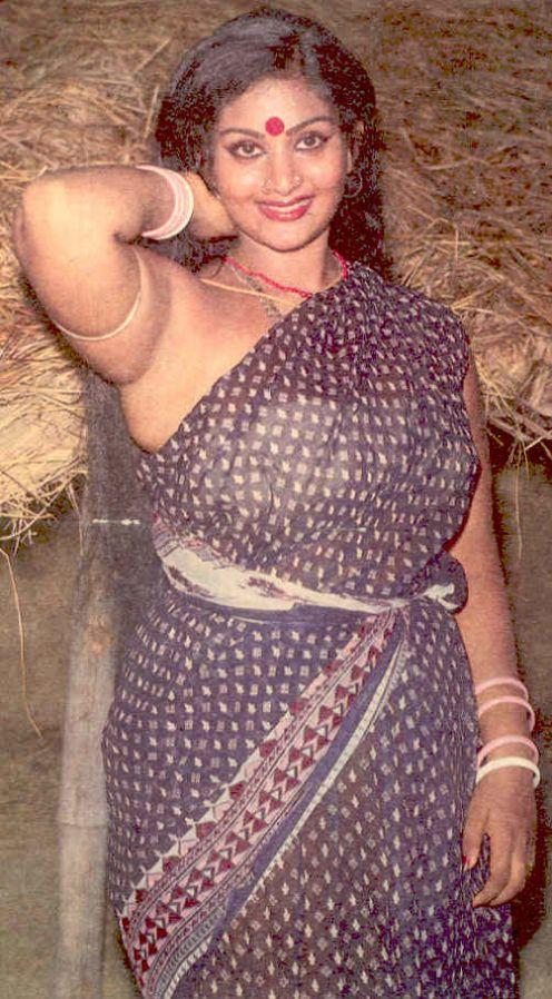 Hot Ur Sexy Girls Blouseless Saree Photos Of Indian Girls-6494