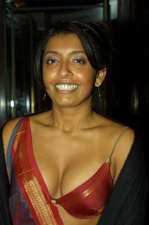 Hot Ur Sexy Girls Blouseless Saree Photos Of Indian Girls -7420
