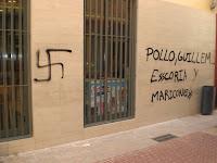 Pintades feixistes a la façana del casal. Foto: Independentistes de la Safor