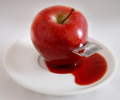 Suicide Apple by silecia