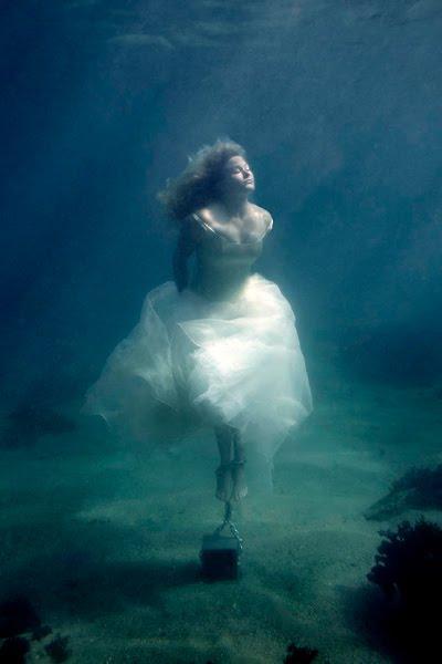 En klods om benet - undervandsfotografi