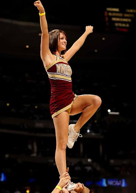 Nfl cheerleaders costume malfunctions