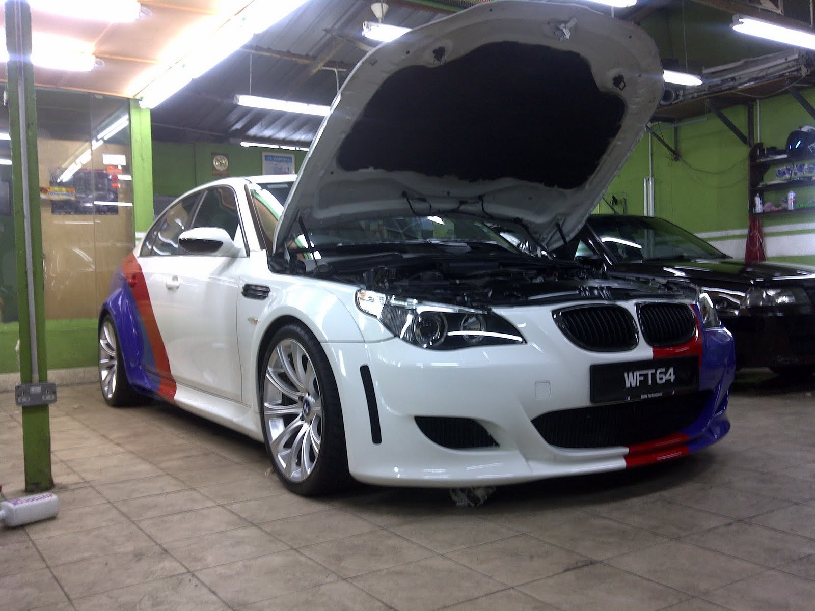 anything about motoring bmw e60. Black Bedroom Furniture Sets. Home Design Ideas