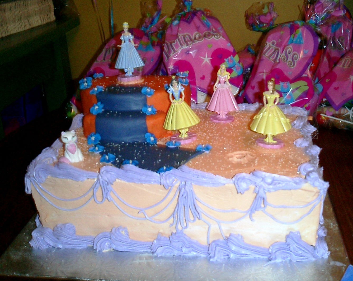 Jocelyn's Wedding Cakes and More....: Princess Cakes