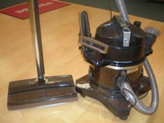 Cul De Sac Shack Vintage Vacuums