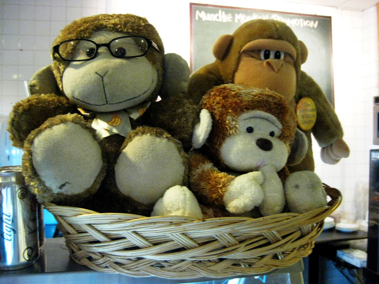 Biting Travels Munchie Monkey