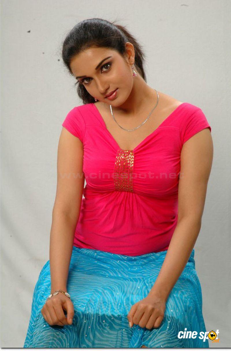 Honey Rose Malayalam Actress Hot Sexy Photos Pics  Celebrity Wallpapers - Sexy -6283