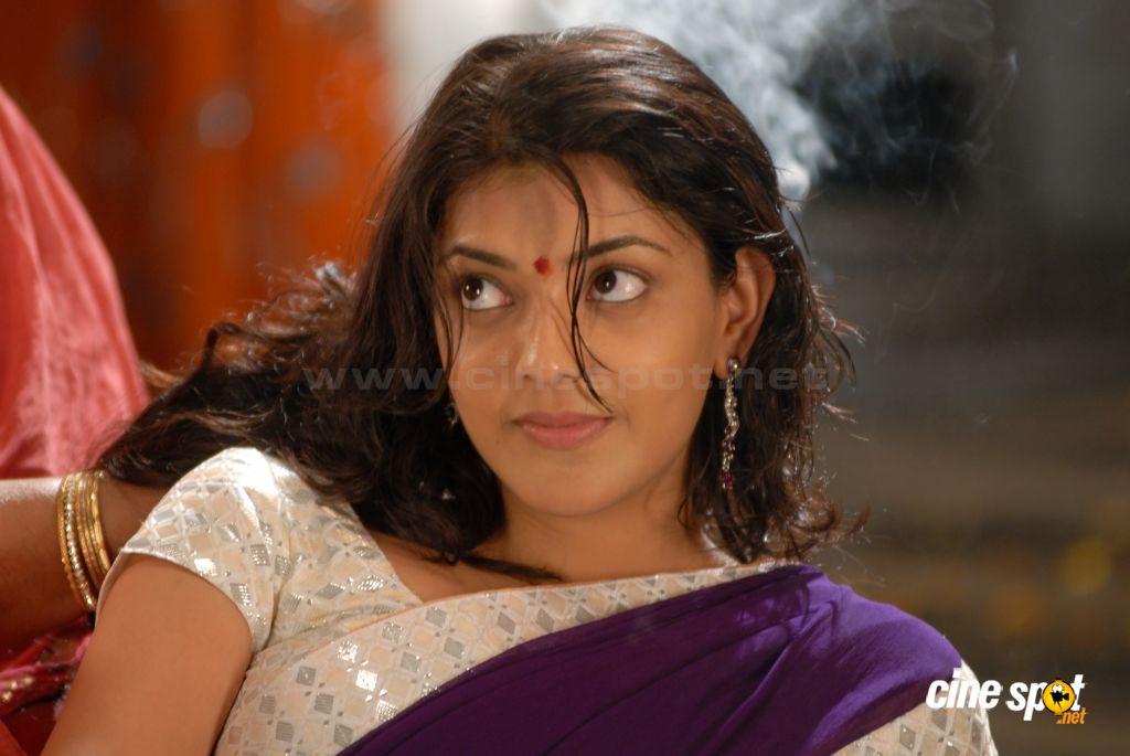 MQ - Malayalam Queens: Navel Stills South Indian Actress, Wet