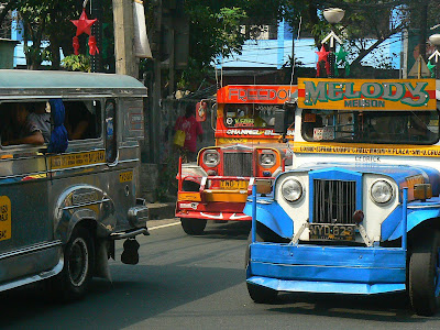 Transport Filipine: jeepney in Manila