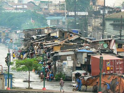 Cartier sarac din capitala filipineza